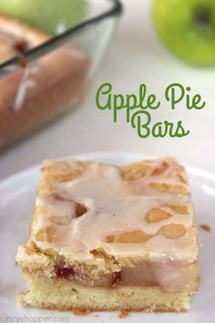 Apple Pie Bars - Perfect for apple pie fans. Great apple dessert for feeding a crowd! Double the apple pie filling Dessert Parfait, Dessert Bars, Dessert Recipes, Bar Recipes, Healthy Recipes, Desserts For A Crowd, Fall Desserts, Easy Apple Desserts, Homemade Apple Pie Filling