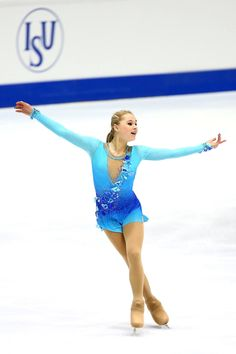 Can Serafima Sakhanovic (RUS) beat the point gap between her and 1st place? Who will take the Men Short Program. Stay tuned and see the best Junior skaters at #WJCTallinn