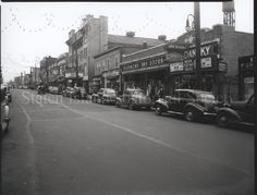 Image of 79.022.0873, Negative, Film: Port Richmond Avenue, photo by Herbert A. Flamm, 1944