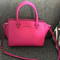Michael kors medium fuchsia selma satchel 100% authentic, smoke free, excellent condition, dustbag NOT included. This can pass as brand new!!! Trade value $300 (will only trade for another mk bag in same condition) Michael Kors Bags Satchels