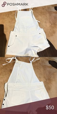 White overalls Runs small, super short. Adjustable ties. Fits a 27 waist One Teaspoon Other
