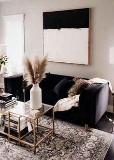 Home living room fall decor Home living room fall deco. Home living room fall decor Home living room fall decor - Decor Home Living Room, My Living Room, Home And Living, Living Room Designs, Living Spaces, Black Sofa Living Room Decor, Living Room Decor Black And White, Small Living, Bedroom Black
