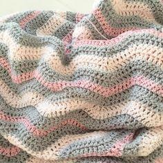 Na de droomdeken verder met de volgende deken 😍 #stylecraftspecialdk #byclairesparkle #hakenisleuk