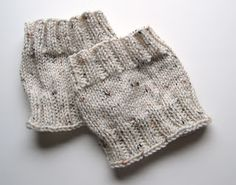 Lewis Knits: Basic Boot Cuff Knitting Pattern | Yarn Used : Any worsted weight yarn will do  Needles: US Size 9 DP Needles