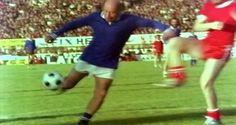 Η ΜΟΝΑΞΙΑ ΤΗΣ ΑΛΗΘΕΙΑΣ: Όταν ο Θανάσης Βέγγος έπαιζε ποδόσφαιρο για φιλανθ...