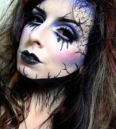 Looking for for ideas for your Halloween make-up? Browse around this site for cute Halloween makeup looks. Halloween Bride Costumes, Unique Halloween Makeup, Amazing Halloween Costumes, Halloween Look, Pretty Halloween, Halloween Ideas, Zombie Bride Makeup, Corpse Bride Makeup, Fantasy Makeup
