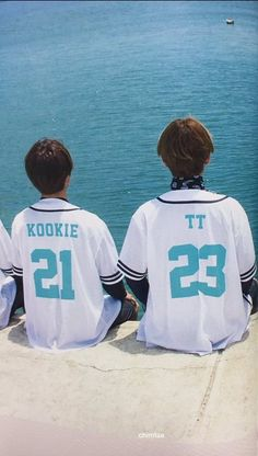 JungKook e V no Summer Package 2017 Bts Taehyung, Jungkook Selca, Bts Bangtan Boy, Yoonmin, Taekook, Jung Kook, Namjin, Foto Bts, Otp