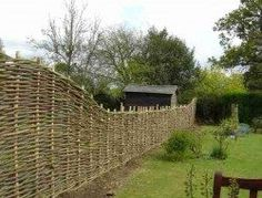 DIY Pine Wattle Fence | The Owner-Builder Network Wattle Fence, Wattle And Daub, Easy Diy Projects, Garden Projects, Art Projects, Fencing Material, Fence Design, Garden Structures, Trees And Shrubs