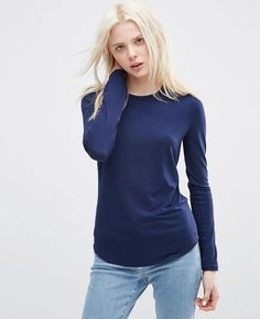http://www.quickapparels.com/t-shirt-with-long-sleeves-and-crew-neck.html