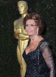<a href='/name/nm0000047/?ref_=m_nmmi_mi_nm'>Sophia Loren</a>