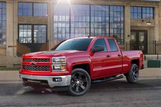 2015 Chevy Silverado Rally Edition misunderstands black tie, dons it anyway