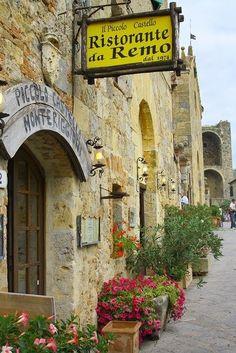 Monteriggioni, Toscana / Italy / Signs / Ristourante