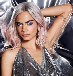 Cara Delevingne -Haidee /Saga Lords Of The Underworld/ Gena Showalter Delevigne Cara, Stars D'hollywood, Actrices Sexy, Pastel Hair, Moustache, Look Fashion, Supermodels, Makeup Looks, Hair Beauty