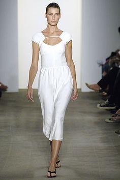 Narciso Rodriguez Spring 2006 Ready-to-Wear Fashion Show - Eugenia Volodina