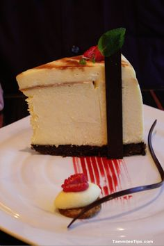 15 ounce cheesecake at the Fahrenheit 555 Steak Restaurant on the Carnival Breeze #CCLsummer