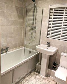 Small Bathroom With Bath, Taupe Bathroom, Small Bathroom Interior, Timeless Bathroom, Small Bathroom With Shower, Compact Bathroom, Small Space Bathroom, Fitted Bathroom, Bathroom Design Small