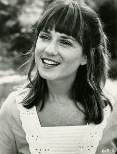 A young Holly Hunter Jane Pauley, Raising Arizona, Golden Globe Nominations, Broadcast News, Goldie Hawn, Bonnie Clyde, Little Black Books, Paramount Pictures