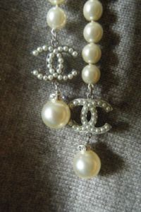 CHANEL FAUX PEARL + CRYSTAL BELT / NECKLACE