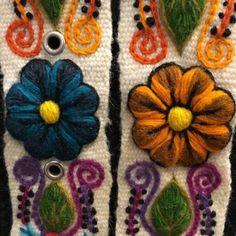 Cinturón Blanco peruano bordado en lana de Huancayo - Perú