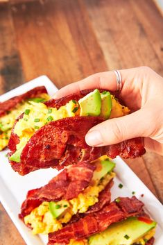 41 Low-Carb Breakfasts You'll Actually Want To Eat Bacon Weave Breakfast Tacos - Park Feierbach High Protein Breakfast, Healthy Breakfast Recipes, Lunch Recipes, Low Carb Recipes, Dinner Recipes, Healthy Eating, Smoothie Recipes, Yummy Recipes, Cooking Recipes