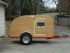 Build your own teardrop trailer from the ground up – The Owner-Builder Network Small Camper Trailers, Diy Camper Trailer, Small Campers, Vintage Campers Trailers, Airstream Trailers, Rv Campers, Pickup Camper, Vintage Caravans, Teardrop Trailer Plans