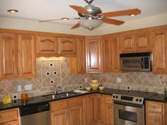 Photos Of Kitchens Oak And Granite Design For Kitchen Decoration With Light Oak Wood Kitchen Cabinet Kitches Ideas Pinterest Oaks