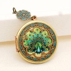 Locket,Brass Locket,Peacock Locket,Green Locket,Photo Locket,Wedding Necklace,Vintage Locket,bridesmaid gift,locket necklace