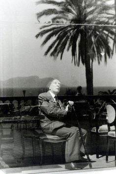 Ferdinando Scianna :: Argentinian writer Jorge Luis Borges, Palermo, Sicily, 1984 / more [+] by this photographer Kinds Of Reading, Writers And Poets, Image Makers, Beautiful Mind, Portraits, Portrait Inspiration, Storytelling, Documentaries, Cool Photos