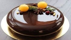37 ideas cake chocolate glaze for 2019 Pear And Almond Cake, Almond Cakes, Mini Cakes, Cupcake Cakes, Chocolate Cupcakes Decoration, Cake Recipes, Dessert Recipes, Decoration Patisserie, Beautiful Desserts