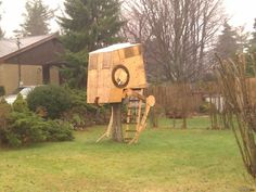 This is the most amazing tree house I have ever seen. A Star Wars AT-ST, are you kidding me?