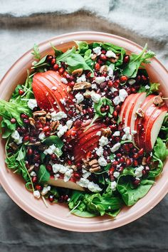 Low Carb Recipes To The Prism Weight Reduction Program Apple Pomegranate Harvest Salad - A Delicious Fall Salad With Greens, Apples, And Pomegranates With Balsamic Vinegar. An Easy Healthy Salad And The Perfect Thanksgiving Side Dish Thanksgiving Salad, Thanksgiving Side Dishes, Thanksgiving Recipes, Christmas Salad Recipes, Winter Salad Recipes, Healthy Salad Recipes, Healthy Snacks, Vegetarian Recipes, Healthy Eating