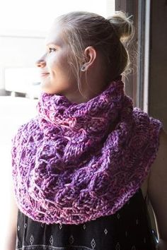 Monika's Hydrocarbon Cowl Knitting Projects, Knitting Patterns, Cowls, Crocheting, Shawl, Knit Crochet, Fashion, Crochet, Moda