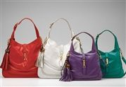 Inspired by the original Gucci bag carried by Jackie O! And OOO are they nice! Gucci Purses, Gucci Handbags, Leather Handbags, Gucci Jackie Bag, Trendy Handbags, Nice Handbags, Ladies Handbags, Cheap Gucci, Types Of Bag