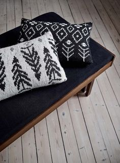 Simple & Nordic for the home: knitted pillowcase by Finnish design brand Saana ja Olli, knitted with Novita Isoveli and 7 Veljestä Nordic Design, Nordic Style, Knit Crochet, Crochet Hats, Yarn For Sale, Big Knits, Knitting Designs, Knitting Ideas, Autumn Theme