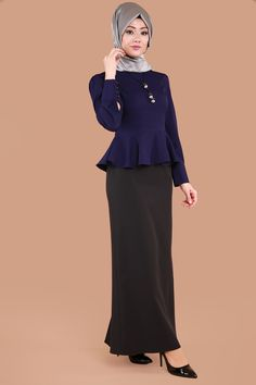 Blouse And Skirt, Peplum Dress, African Dress, Restaurant Design, The Dress, Hijab Fashion, Work Wear, Style Me, Glamour