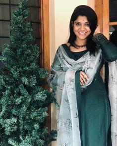 Aparna Balamurali in shemy outfit Silk Kurti Designs, Simple Kurta Designs, Salwar Designs, Kurta Designs Women, Kurti Designs Party Wear, Long Dress Design, Dress Neck Designs, Designs For Dresses, Indian Designer Outfits