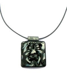 collier pendentif carré noir blanc et gris pâte polymère