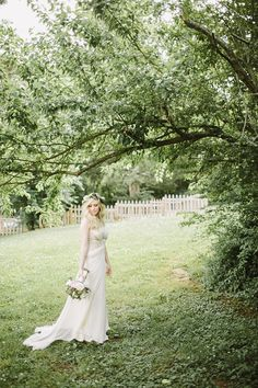 Beautiful bridal portrait by Q Avenue Photo.  http://norwegianweddingblog.blogspot.no/2014/05/superstylish-bryllup-fra-leipers-fork.html