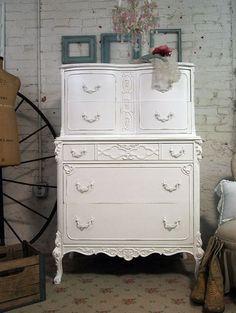 Shabby Chic - http://myshabbychicdecor.com/shabby-chic-149/ - #shabby_chic #home_decor #design #ideas #wedding #living_room #bedroom #bathroom #kithcen #shabby_chic_furniture #interior interior_design #vintage #rustic_decor #white #pastel #pink