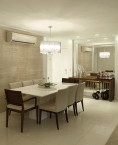 Mirrored wall, small spaces, dining room, sala de jantar pequena, espelho na…