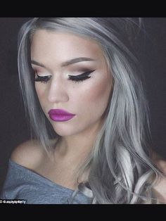 Granny hair is the new blond for 2015 and it's a style that is turning heads. Silver hair looks great on these woman and look very sophisticated and modern. Grey Hair Dye, Dyed Hair, Dying Your Hair Grey, White Hair, Corte Y Color, Cool Hair Color, Silver Hair, Silver Blonde, Ash Blonde
