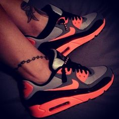 Luminous Running Shoes #Nike #Air #Max