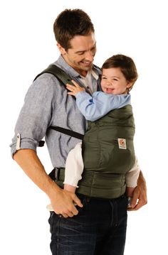 The Baby Product Award winning Stowaway carrier - beautiful olive colour - Ergobaby - www.oogappel.be