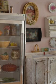 Pretty storage - http://fashionablehomes.net/pretty-storage/ - #Fashionable homes #shabby_chic #home_decor #design #ideas #wedding #living_room #bedroom #bathroom #kithcen #shabby_chic_furniture #interior interior_design #vintage #rustic_decor #white #pastel #pink