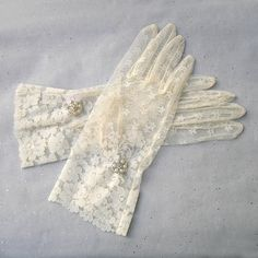 Hey, I found this really awesome Etsy listing at https://www.etsy.com/listing/212717691/ivory-lace-gloves-wedding-lace-gloves