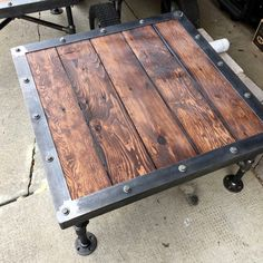Made A Pair of industrial coffee tables for my parents' entertainment room (#QuickCrafter)