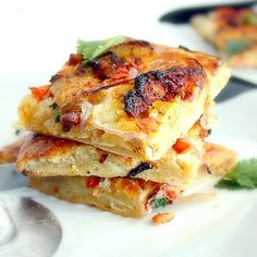 Goat Cheese stuffed crust Tandoori Chicken Flatbread - Organic and Homemade! Egg Recipes, Indian Food Recipes, Cooking Recipes, Husband Lunch, Chicken Flatbread, Flatbread Recipes, Bengali Food, Indian Breakfast, Desi Food