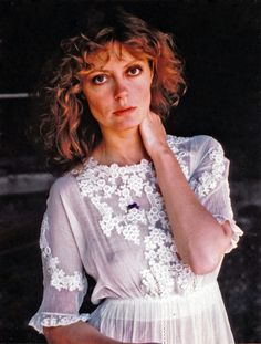 20 Amazing Photographs of a Young and Beautiful Susan Sarandon in the and Susan Sarandon Hot, Susan Surandon, Beautiful Celebrities, Beautiful People, Thelma Et Louise, Pretty Baby 1978, Actrices Hollywood, Classic Actresses, Sexy Older Women