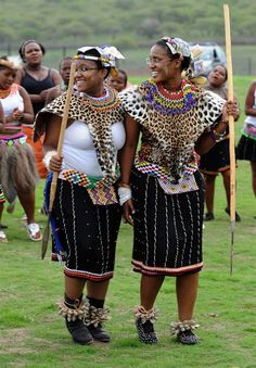 President Jacob Zuma's daughters Duduzile Zuma, right, and Phumzile Zuma attend their uMemulo (coming of age) ceremony at the Zuma homestead on April 21 in Nkandla in Kwa-Zulu Natal. African Culture, African History, African Wear, African Women, African Fashion, Zulu Wedding, Zulu Women, Zulu Warrior, Mode Wax