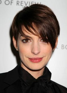 Red Carpet Hair: Anne Hathaway at the National Board of Review Awards Gala